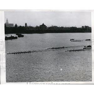 1946 Press Photo Cornell crew vs Cambridge & Princeton in Massachusetts