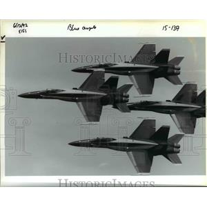 1992 Press Photo U.S. Navy Blue Angel precision flying team in Hillsboro Airport