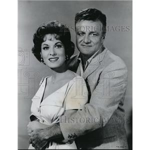 1961 Press Photo Brian Keith and Maureen OHara in The Parent Trap - orx02206