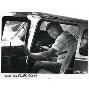 1985 Press Photo Fred Koch in cockpit of his Cesna plane - ora52113