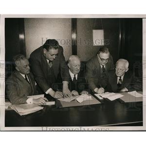 1939 Press Photo NY Boxing Commission Walker Wear, Gen John J Phelan - nes42081