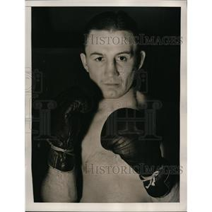 1940 Press Photo Boxer Pete Lello training for bout vs Lew Jenkins in NYC