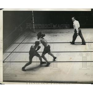 1932 Press Photo Johnny Rvciak versus Howard Rogers at Madison Square Garden