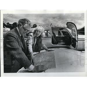 1977 Press Photo Isabell Martell Flight Instructor Student Bruce Chalmers