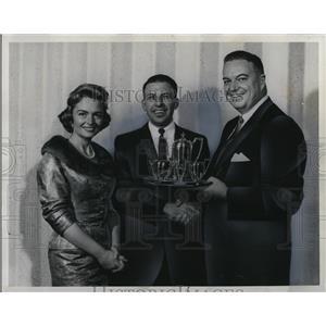 1959 Press Photo Donna Reed & HM Poole Johnson & Johnson Company - cvp78634