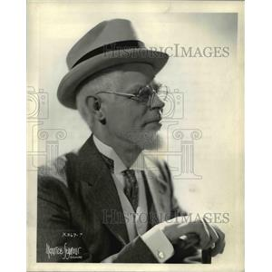 1937 Press Photo Pat Barrett, Creator of Uncle Ezra - cvp77685