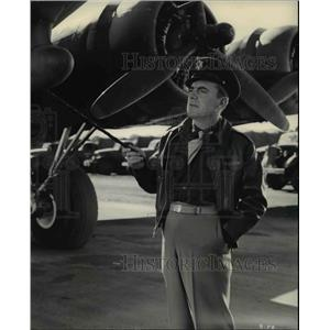 1948 Press Photo Pat O'Brien in Bombardier - cvp77494