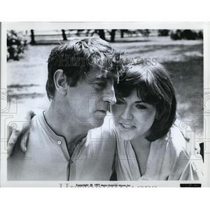 1971 Press Photo Robert Mitchum & Brenda Vaccaro in Going Home - cvp78591