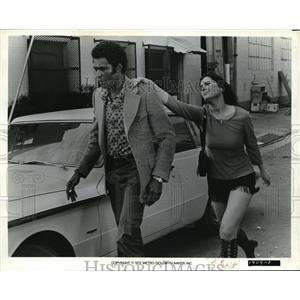 1972 Press Photo Calvin Lockhart & Jane Tire in Melinda - cvp80728