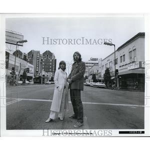 1971 Press Photo Jeanne Moreau, Donald Sutherland in Alex in Wonderland