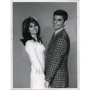 1967 Press Photo Paula Prentiss & Dick Benjamin in He & She - cvp74430