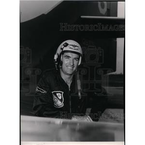 1953 Press Photo Navy's decorated pilot Lt Comdr Arthur Bay Hawkins  - spx04229