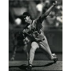1954 Press Photo California's Jim Abbot mows down the Brewers in 6th victory.