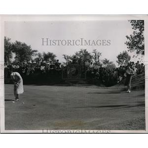 1938 Press Photo Patty Berg, Marian Miley in National golf finals in Chicago