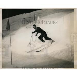 1938 Press Photo Fridel Pfeifer in slalom race at sports meet in NYC