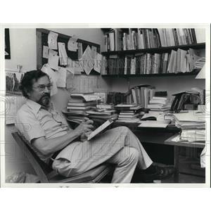1981 Press Photo Dr. George Kanoti won ethic prize - cva24752