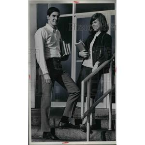 1967 Press Photo Lew Sherman & Davis Reithneclt of Lakewood High School Seniors