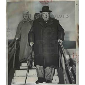1953 Press Photo British Prime Minister & Mrs Winston Churchill  - nee92668