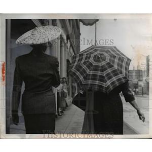 1956 Press Photo Fashion Hat  - nee92561