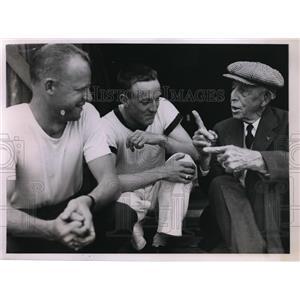 1935 Press Photo Coach Jim Ten Eyck Syracuse U crew Bart O'Hearn, S Weston