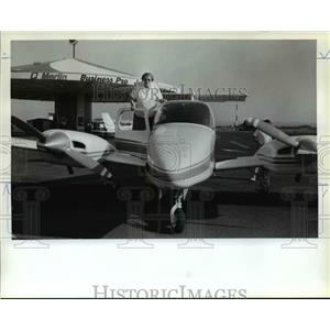 1982 Press Photo Mildred Schwab took controls around the state for OMSI Auction