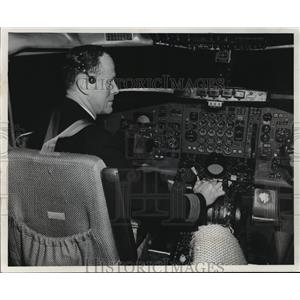1970 Press Photo The complexity of jet airliner operation is shown - mja01583