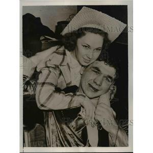 1941 Press Photo Tony Musto boxer & his wife after loss to Joe Louis - net05760
