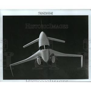 1985 Press Photo Beechcraft Starship 1- 85% Scale Flying prototype  - mja04167