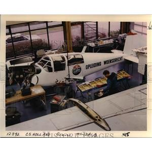 1993 Press Photo Fokker Aircraft Services-Netherlands-Foreign School - orb48820