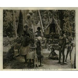 1935 Press Photo A village in the cannibal district - cvb64193