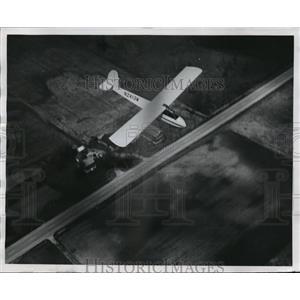 1968 Press Photo An unpowered sailplane makes its way above the Wsconsin