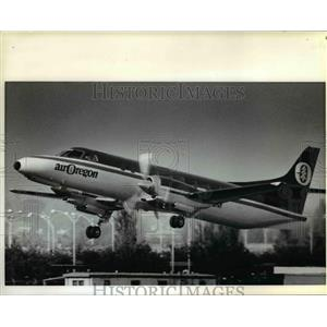 1981 Press Photo Air Oregon's planes such as this turbo prop leaving Portland