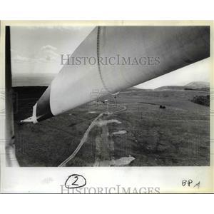 1981 Press Photo Wind turbine big as wing of Boeing - orb62257