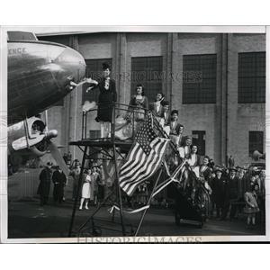 "1946 Press Photo New York Mrs. James A Booras christens ""City of Providence"" NYC"