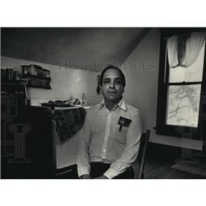 1988 Press Photo Emilio Ortega of Waukesha has received amnesty - mja06406