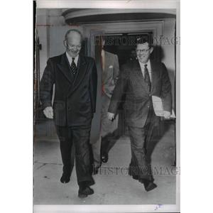 1911 Press Photo Pres.Eisenhower with Press Sec.Murray Snyder and James Hagerty