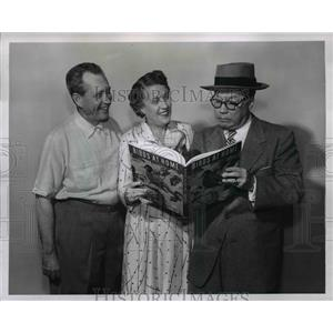 1953 Press Photo Jim and Marian Jordan and (at right) Bill Thompson - orp28907