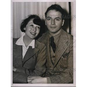 1937 Press Photo Actress Luise Rainer, Husband Playwright Clifford Odets