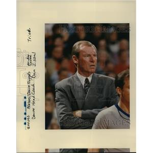 1992 Press Photo Dan Issal, Denver Nuggets Head Coach - orc15337