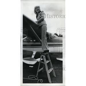 1977 Press Photo Pilot Isabel Martell - ora55881