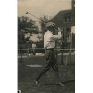 1919 Press Photo J Dickson of Knoxville on a golf course - net15473