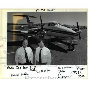 1988 Press Photo Ernie Strum , Don Bonda Flightcraft Inc. Beechcraft 300 King