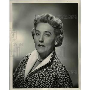 """1956 Press Photo Marjorie Trumbull, San Francisco's """"First Lady of Television"""""""