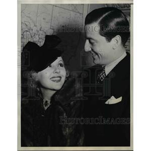 1937 Press Photo Renee Torres and Erman Pess getting married - orp29889