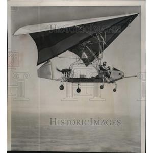 1961 Press Photo Flexible wing aircraft on flight trial in San Diego, Calif.