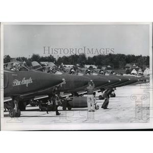1965 Press Photo Members of ground crew start engines for the famed Blue Angels