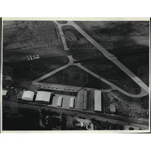 1981 Press Photo Aerial view of the Waukesha Airport - mja25697