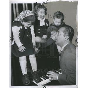 1958 Press Photo Actor Rossano Brazzi