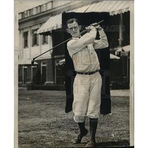 1926 Press Photo Rudolph Knepper at a golf course - net18248