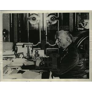 1929 Press Photo Spain Premier General Primo de Rivera at Desk - ney15952